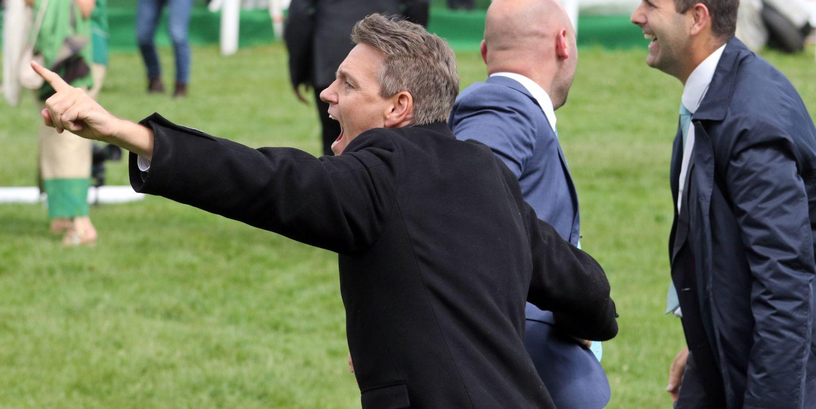 Freudenschrei nach Derbysieg durch Windstoß 2017 - Trainer Markus Klug. (Foto: Frank Sorge)