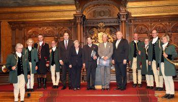 Stadt Hamburg würdigt Jubiläums-Derby - Empfang im Rathaus