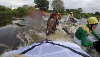Paul Andrew Johnson gewinnt mit Novalis das Seejagdrennen Copyright: galoppfoto.de