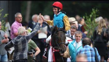 Der Derbysieger Windstoß (Adrie de Vries) triumphiert im 55. Preis von Europa, Gr. I, in Köln